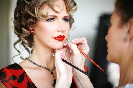 Hair & Makeup Courses Turn Your Makeup Artistry Skills into a Lucrative Business by Joanna Blair School of Makeup