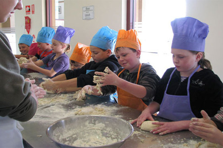 Kids Activities Kids in the kitchen (7-14yrs) PASTRY by Wild Oak