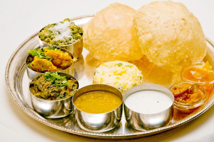 Indian Home Cooking with Foodie Trails (Via Trendy Mods)